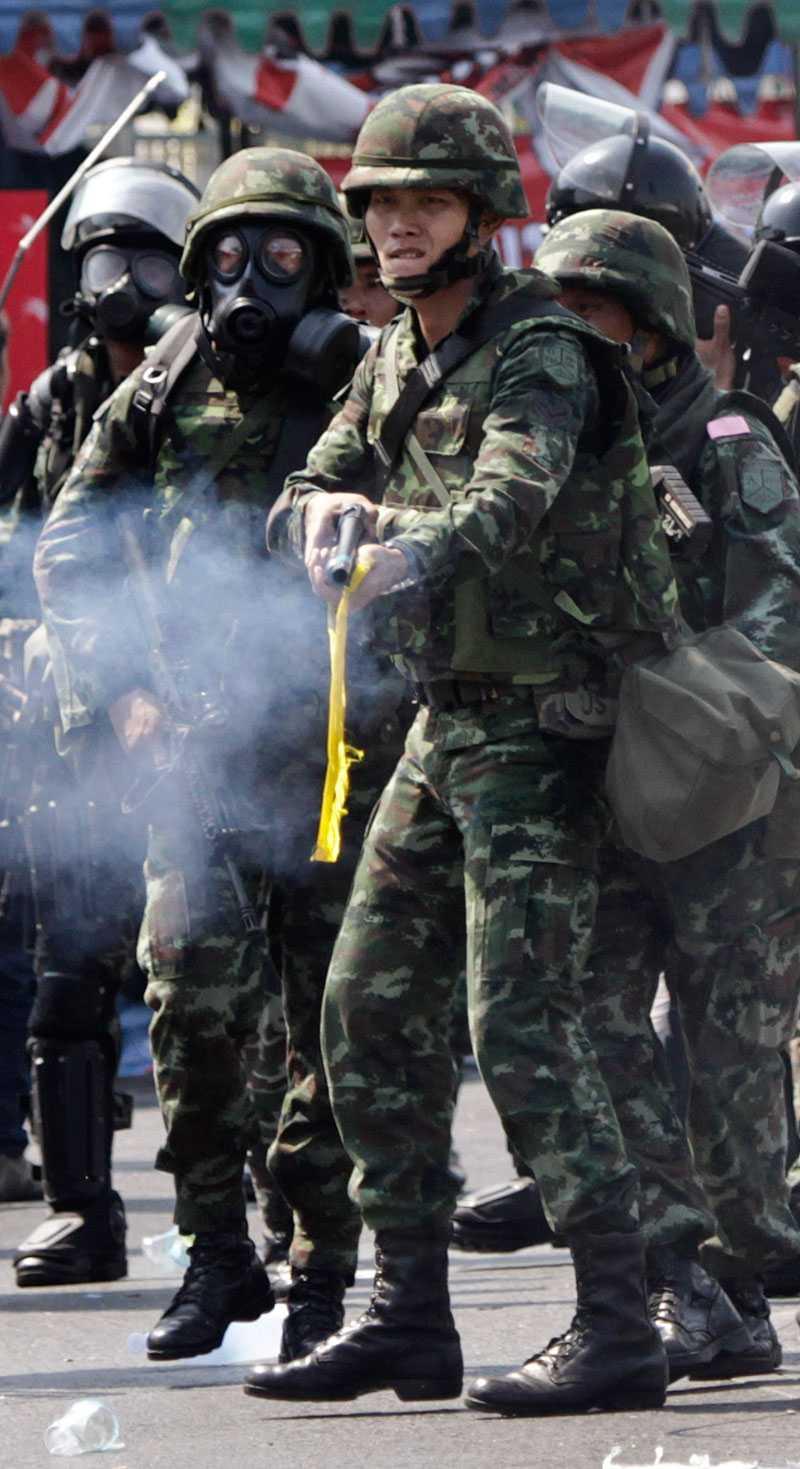Flera människor skadades av soldaternas kulor under sammandrabbningarna.