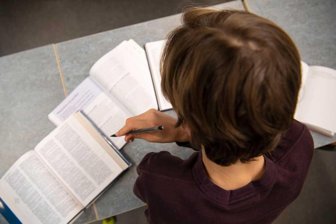 Finländska elever tillbringar mindre tid i skolbänken jämfört med genomsnittet bland OECD-länder. Arkivbild.