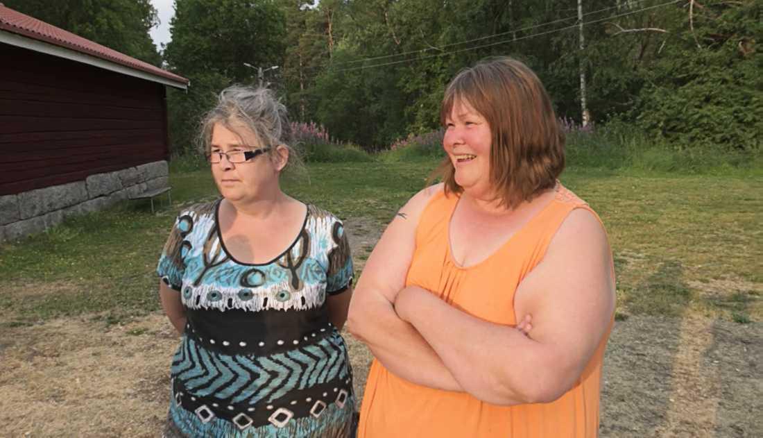 Margaretha Karlsson och Maria Näsberg bor i Bräcke, nära de byar som tvingats evakuera.