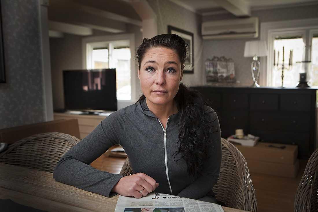 """Terecia Andersson, 35, bodde tidigare granne med sin mamma, men nu har hon flyttat. """"Jag trodde inte att min mamma ville förstöra mitt liv"""", säger hon."""