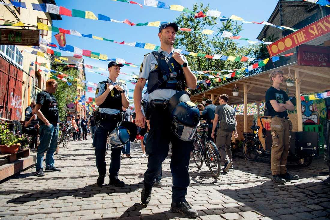 Polis inne på Pusher Street i maj förra året. Arkivbild.