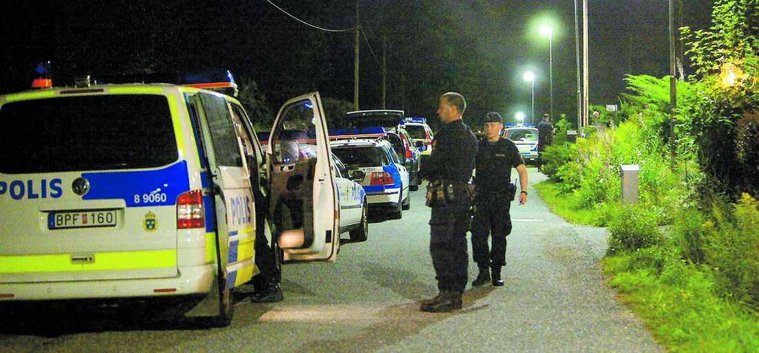 OFFRET VAR CHEF PÅ BANK 43-åringen har erkänt att han har skjutit ihjäl sin tidigare flickväns nya kärlek i en villa i Tyresö utanför Stockholm.