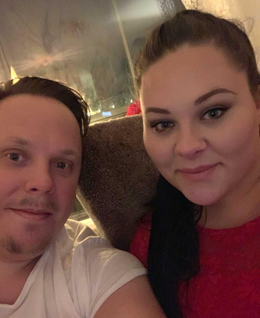 Tobias Ågren, 36, och Rebecca Holmstedt, 24.