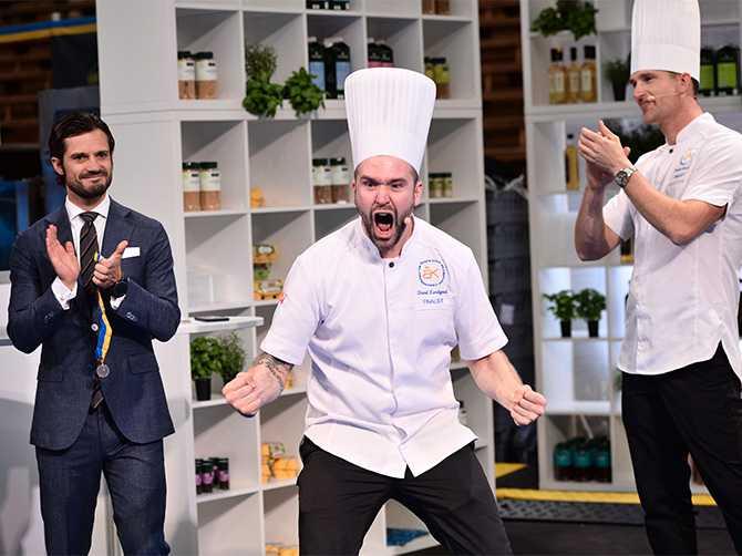 FICK PRIS AV PRINSEN David Lundqvist segervrålade när det stod klart att han tagit hem titeln som Årets kock 2018. Tävlingen avgjordes i Kungliga tennishallen den 29 september och prisutdelare var prins Carl Philip..