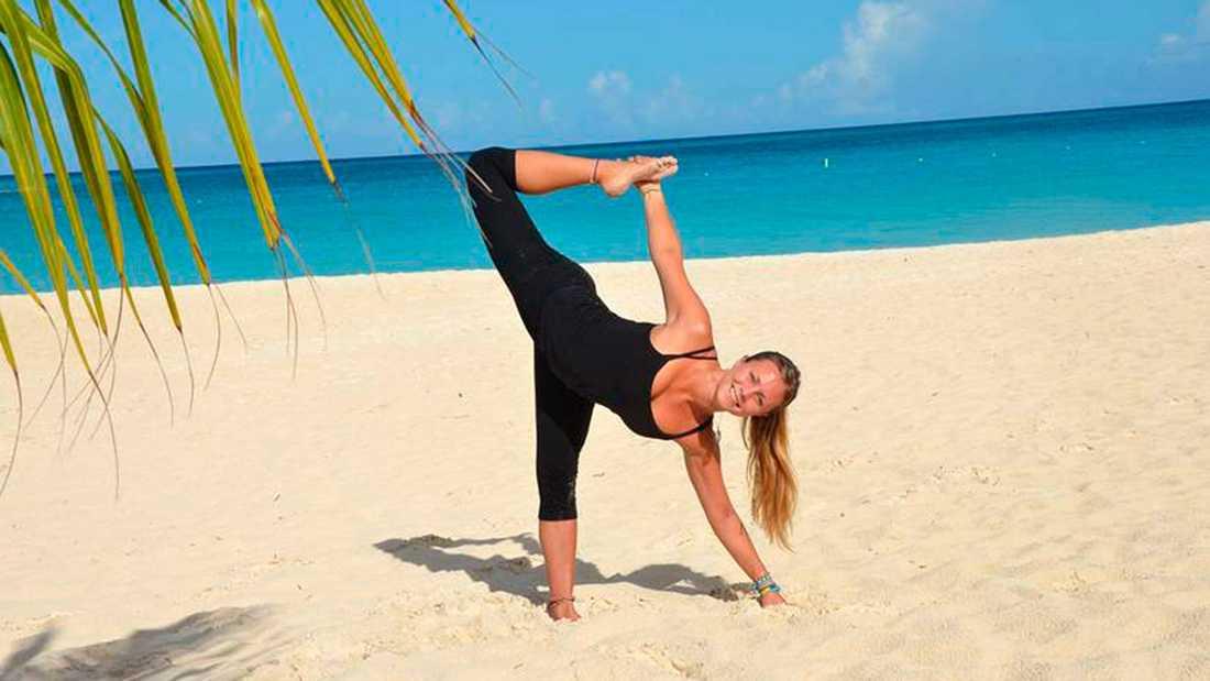 På Arubas stränder la Yoga girl grunden till sin världsomspännande succé.