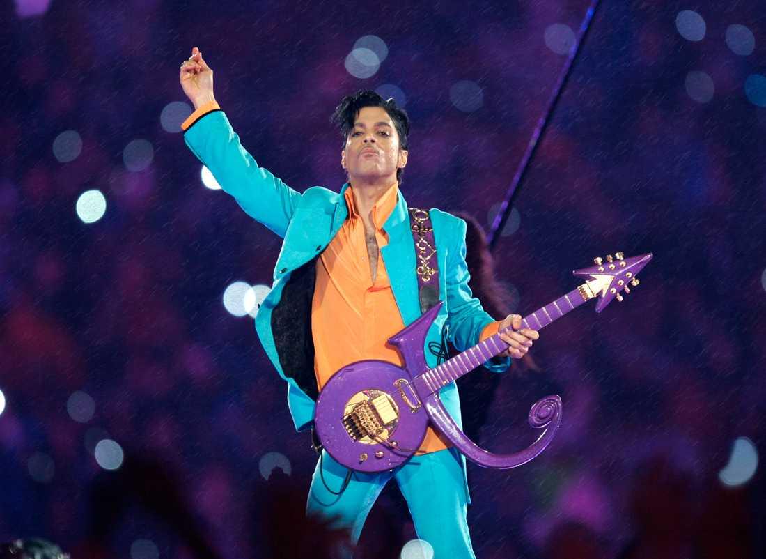 Prince på Super Bowl på Dolphin Stadium i Miami 2007.