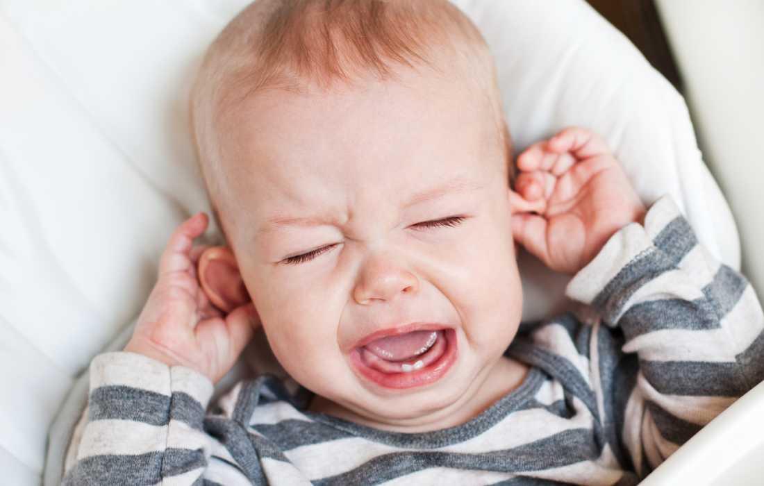öroninflammation bebis symtom