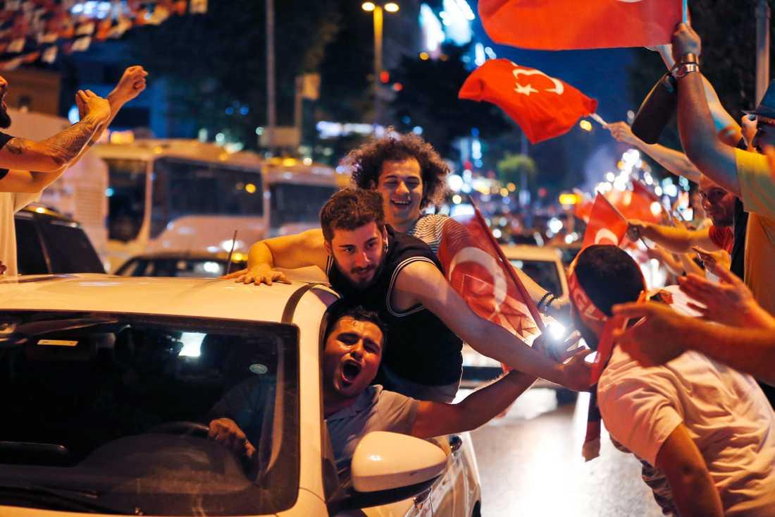 Firande i Istanbul efter valet.