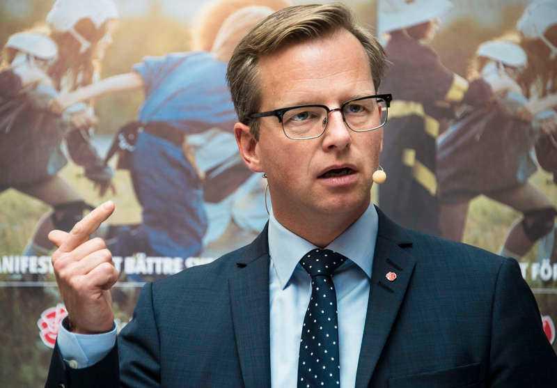 Närings- och innovationsminister Mikael Damberg (S), 42