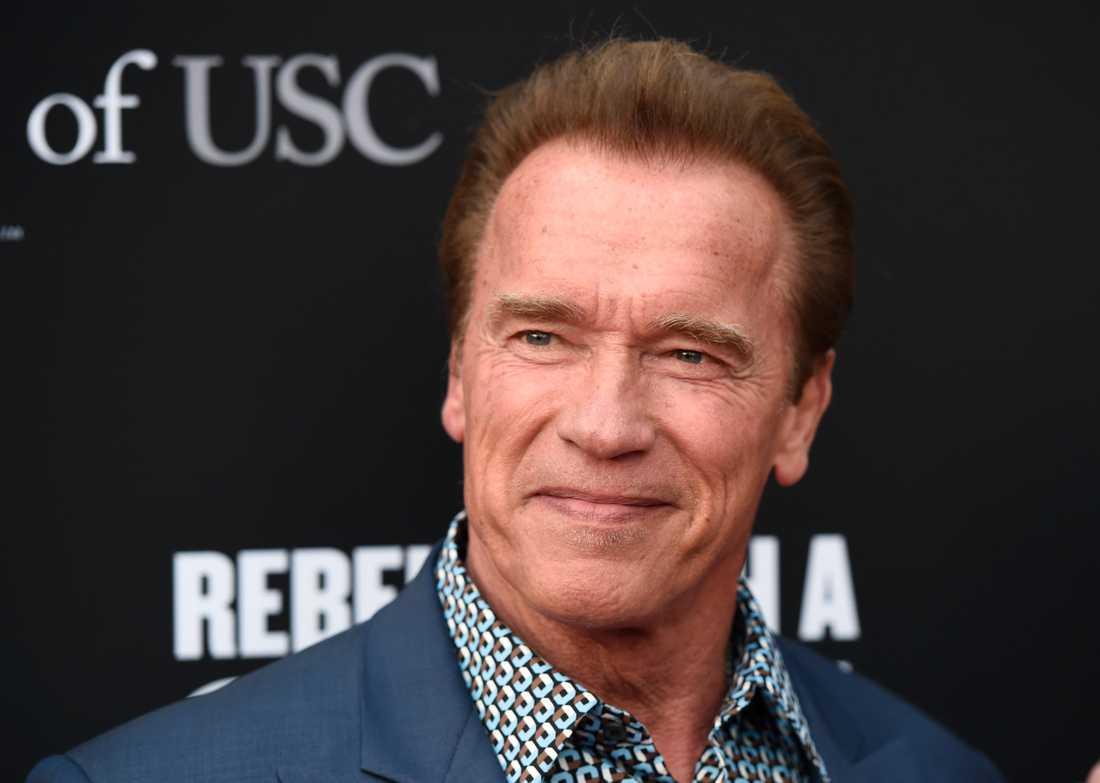 Arnold Schwarzenegger hyllar Malena Ernmans dotter Greta Thunberg.