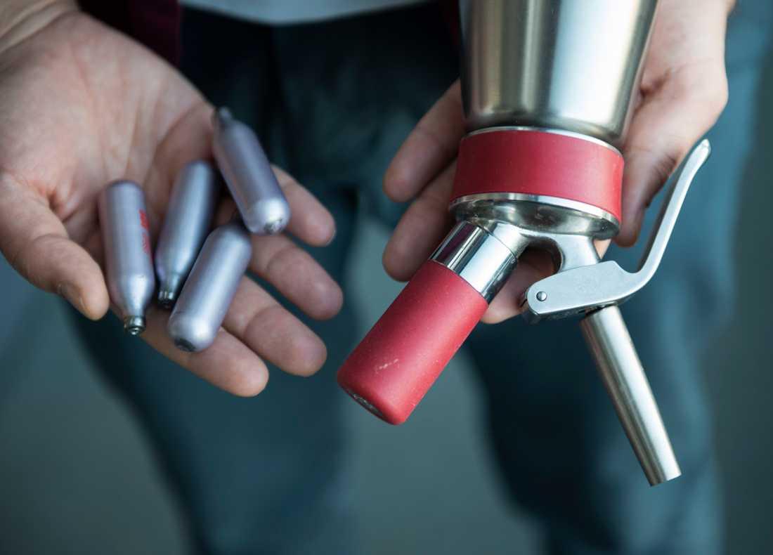 Lustgas är inte narkotikaklassat men det innebär inte att den är ofarlig.