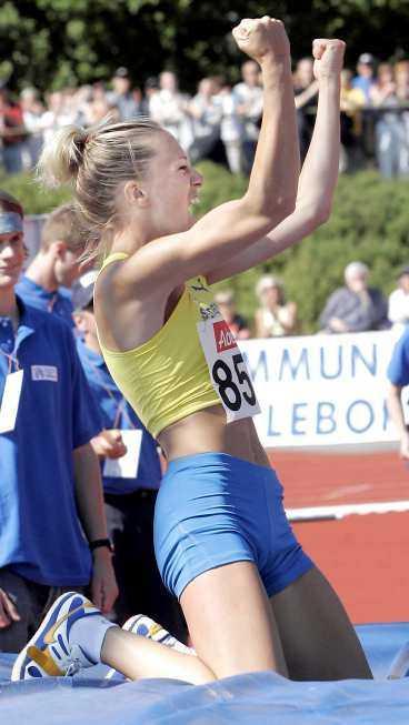 HET igen Kajsa Bergqvists har haft en bra start på säsongen. Hon klarade två meter i premiären - och tog 2,01 i Europacupen i Gävle i går.