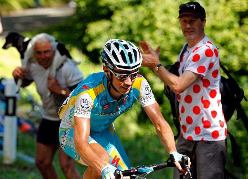 Svenske Fredrik Kessiakoff har fått en bra start på årets Tour de France och tog i går över den klassiska och eftertraktade bergatröjan