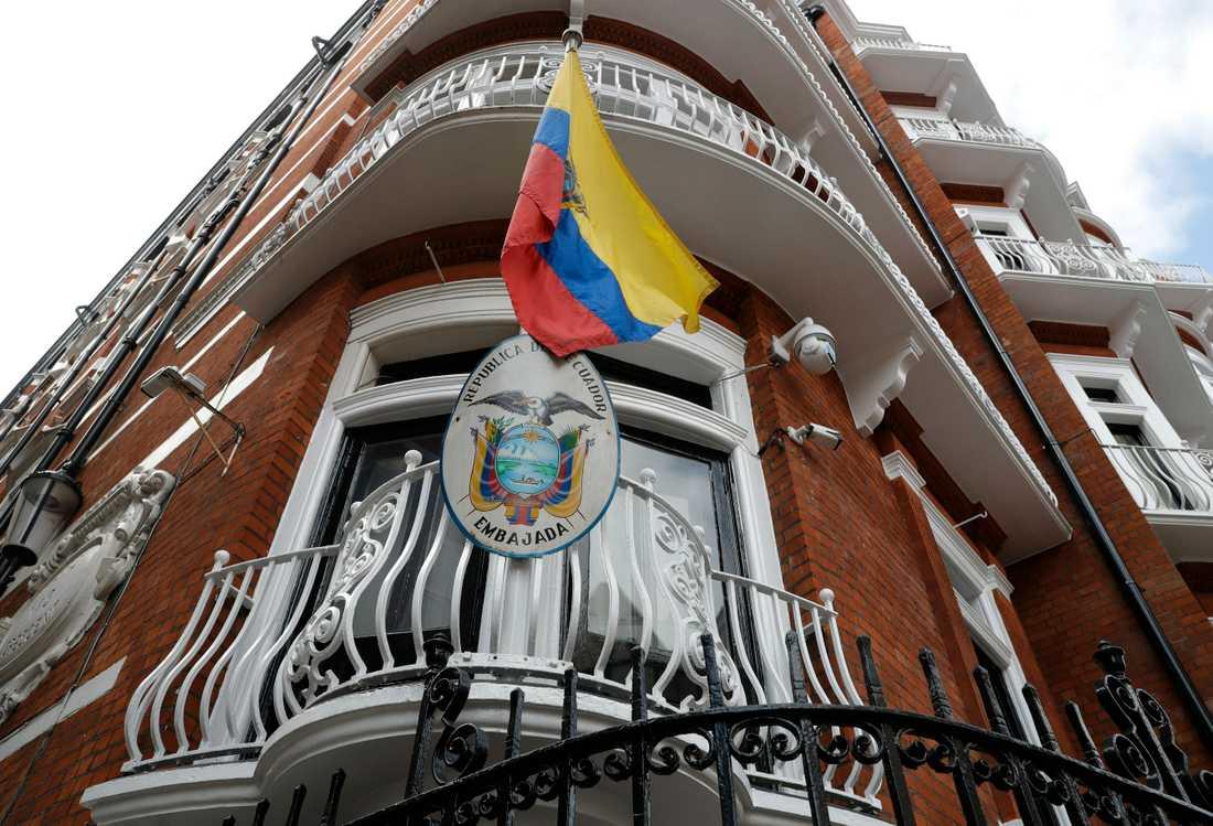 Ecuadors ambassad i London, där Julian Assange bodde i nästan sju år och säger sig ha blivit övervakad. Arkivbild.