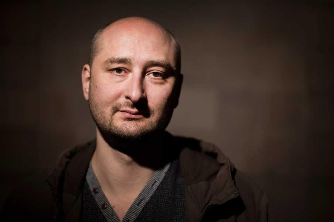Arkadij Babtjenko tog emot Tucholskypriset på Fängslade författares dag den 15 november 2015 i Stockholm.