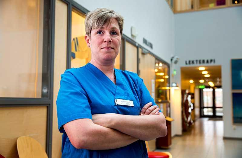"""""""Vadå inte ansvarar för liv och död? Ett fel och patienten dör"""", säger specialistsjuksköterska Wiveca Lind som reagerar starkt på politikernas kommentarer."""