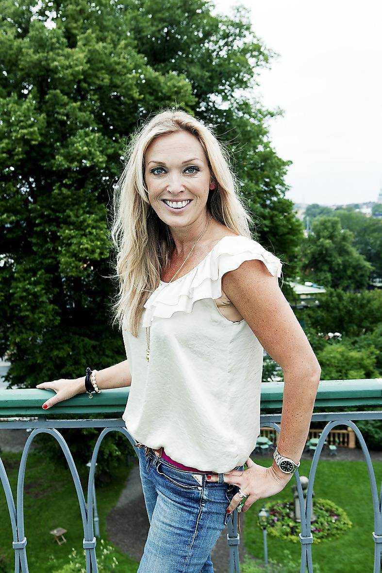 """Linda Lindorff är programledare för nya """"Robinson"""" som spelas in utanför Kambodja."""