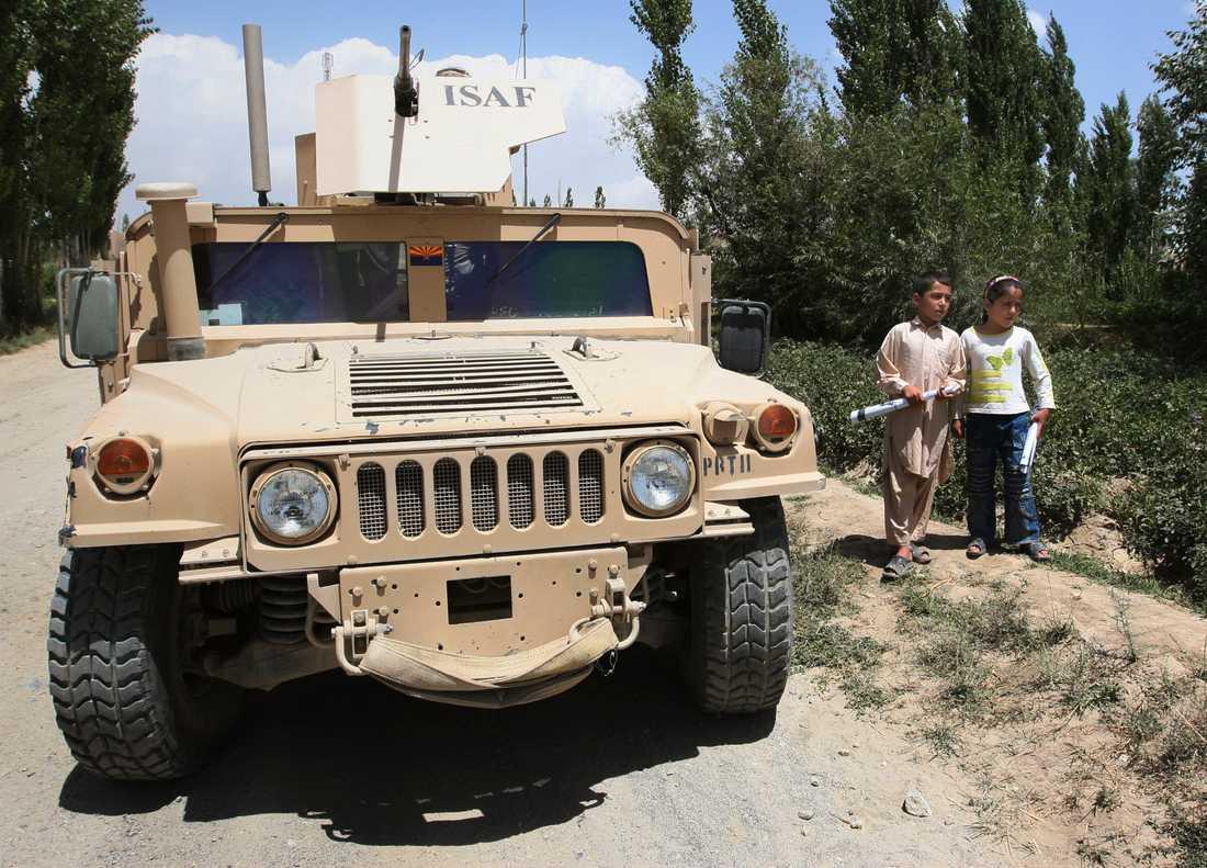 Gärningsmannen använde ett sådant här militärfordon, en Humvee, i Ghazni. Arkivbild.