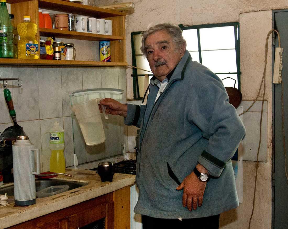 Presidenten hemma i sitt kök.