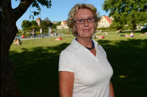 """Kräver förändringar Metta Fjelkner, ordförande i Lärarnas riksförbund, är ledsen över siffrorna som visar att elever som har dåliga skolresultat i nionde klass sällan lyckas bättre i gymnasiet. """"De som verkligen behöver en chans får den inte,"""" säger Fjelkner."""