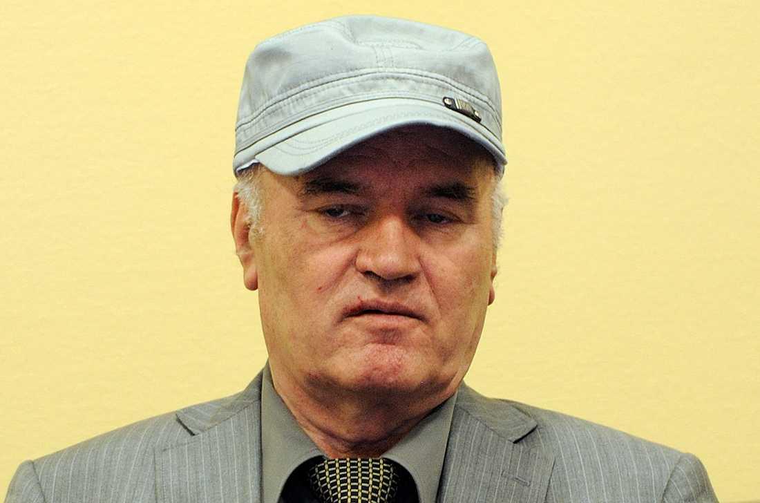 Ratko Mladic greps 2011. Denna bild på honom togs då han förts till Haag.