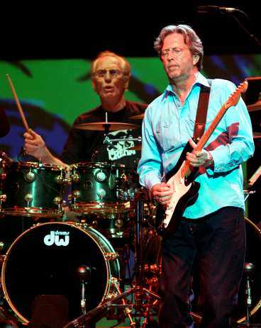 Möttes av jubel Eric Clapton återförenade sitt legendariska band Cream 2011 i Royal Albert Hall.