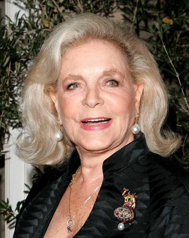 Lauren Bacall avled i augusti 2014, 89 år gammal.