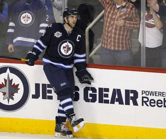 Andrew Ladd, 26 år, forward, Winnipeg Jets 484 NHL-matcher, Stanley Cup-mästare 2006 och 2010.