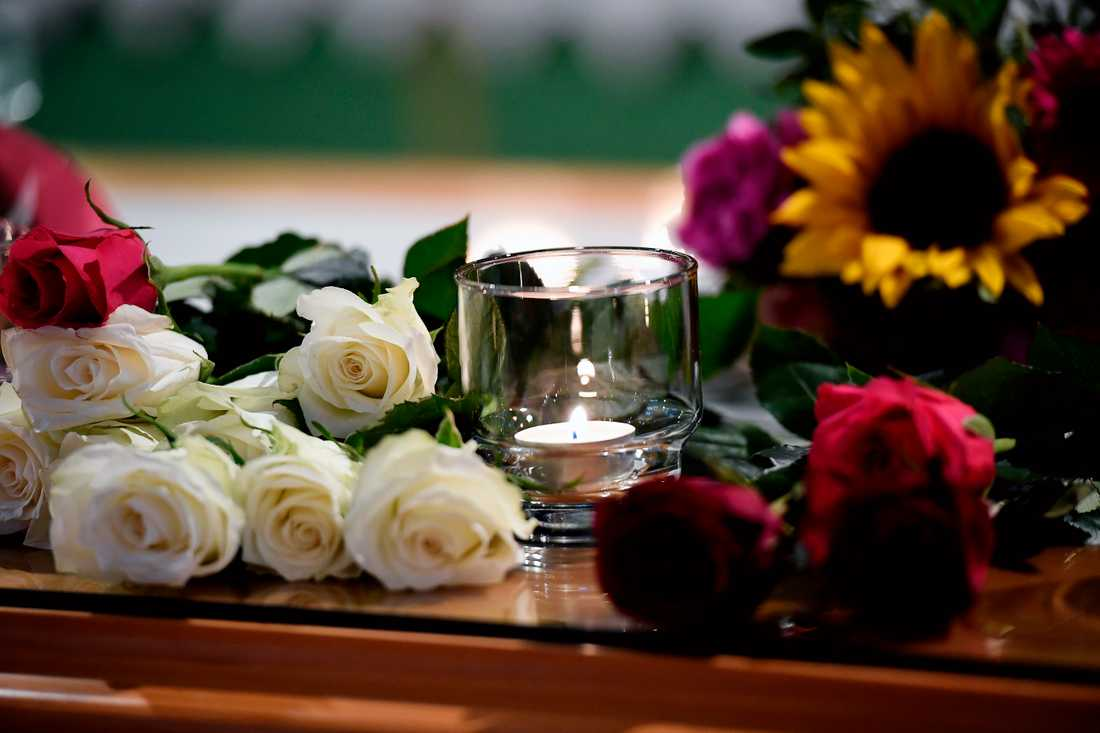 Blommor vid minnesstunden.