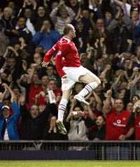 ETTAN KOM  Den nye kungen på Old Trafford har presenterat sig. Wayne Rooney var namnet.