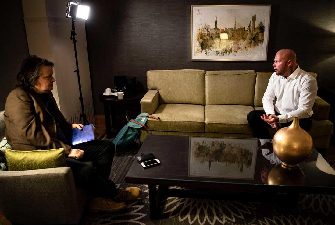 Före detta gängledaren Anders Stensson. Stenson var länge ledare för det så kallade Bro-nätverket men har bestämt sig för att lämna det livet bakom sig. Aftonbladets Jon Forsling intervjuar Anders Stensson.