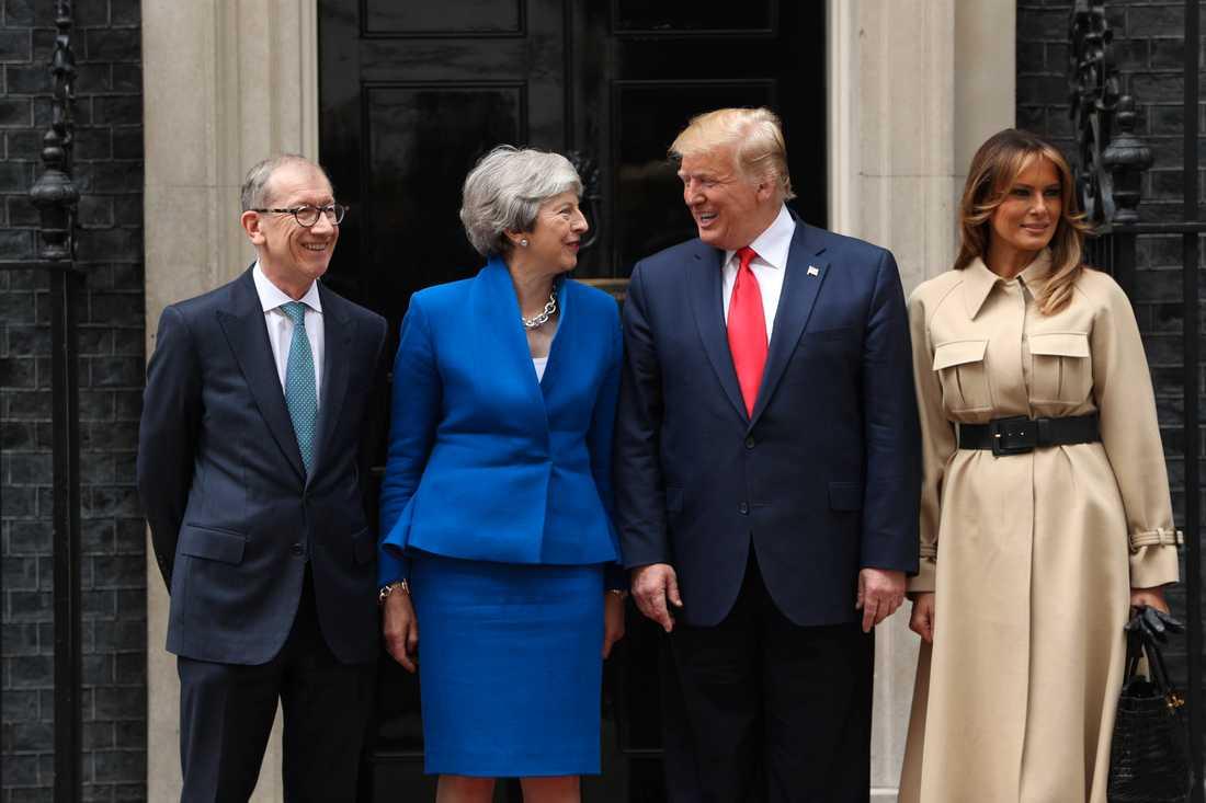 Paret Trump möter avgående premiärminister May