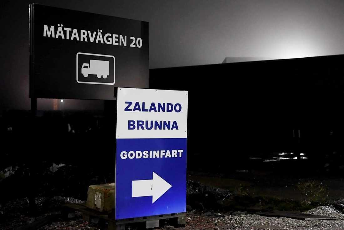 Larm som liknar dem från Brunna har också kommit från Zalandos tyska lager.