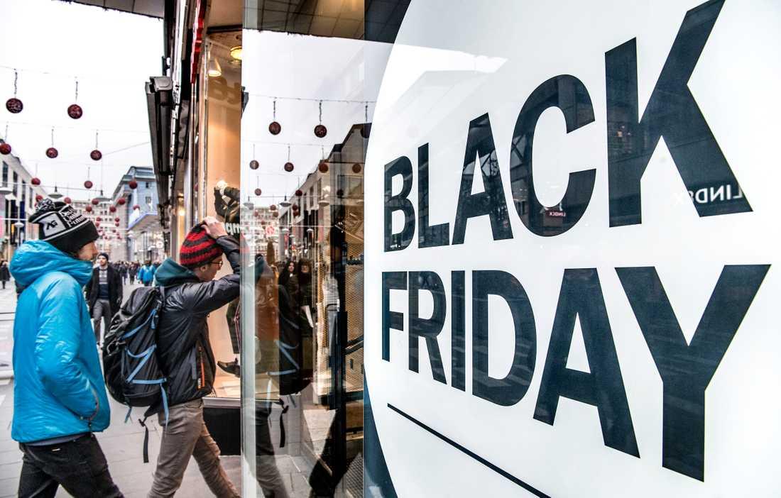 Black Friday är en högtid i sig, men också starten på julhandeln.