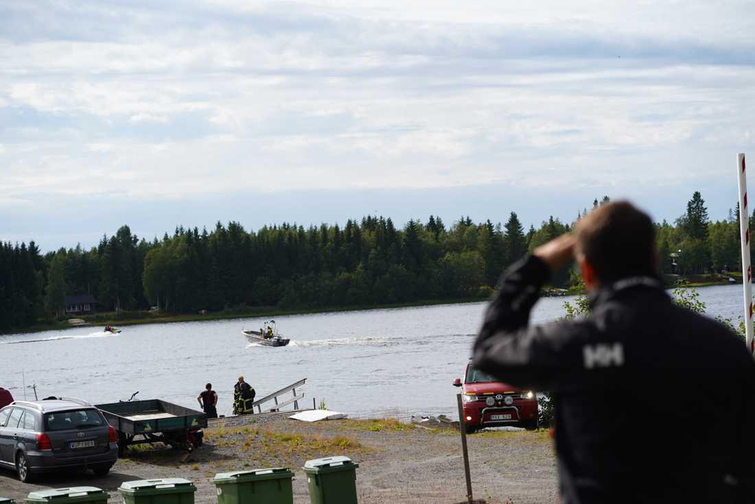 Nio personer har omkommit i en flygolycka utanför Umeå.