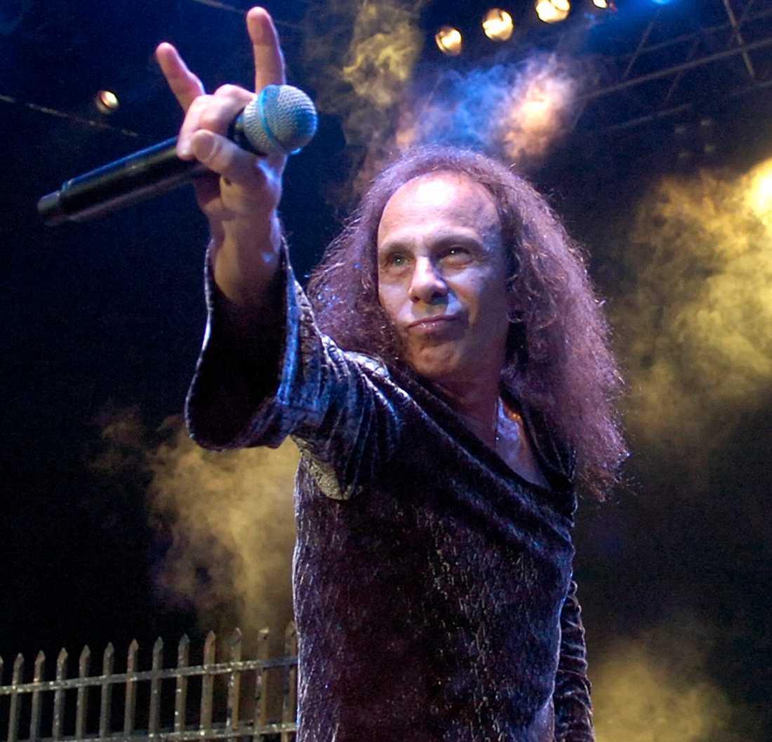 Ronnie James Dio återuppstår som hologram