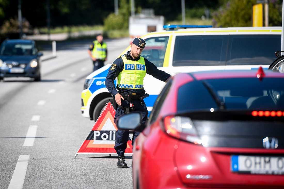 Polisen fortsätter att utföra trafikkontroller i samma utsträckning som tidigare, men arbetssättet har förändrats, berättar Tobias Bråhammar, kommunpolis i Malmö. Arkivbild.