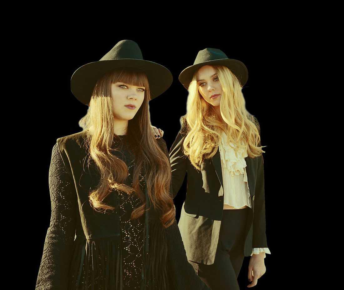 """BERÖR KONSTANT Systrarna Klara och Johanna Söderbergs röster hittar smärtpunkten överallt på """"Stay gold""""."""