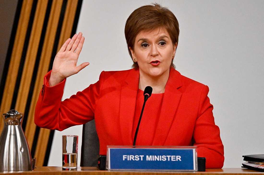 Förstaministern Nicola Sturgeon försäkrar kommittén att hon ska svara sanningsenligt.