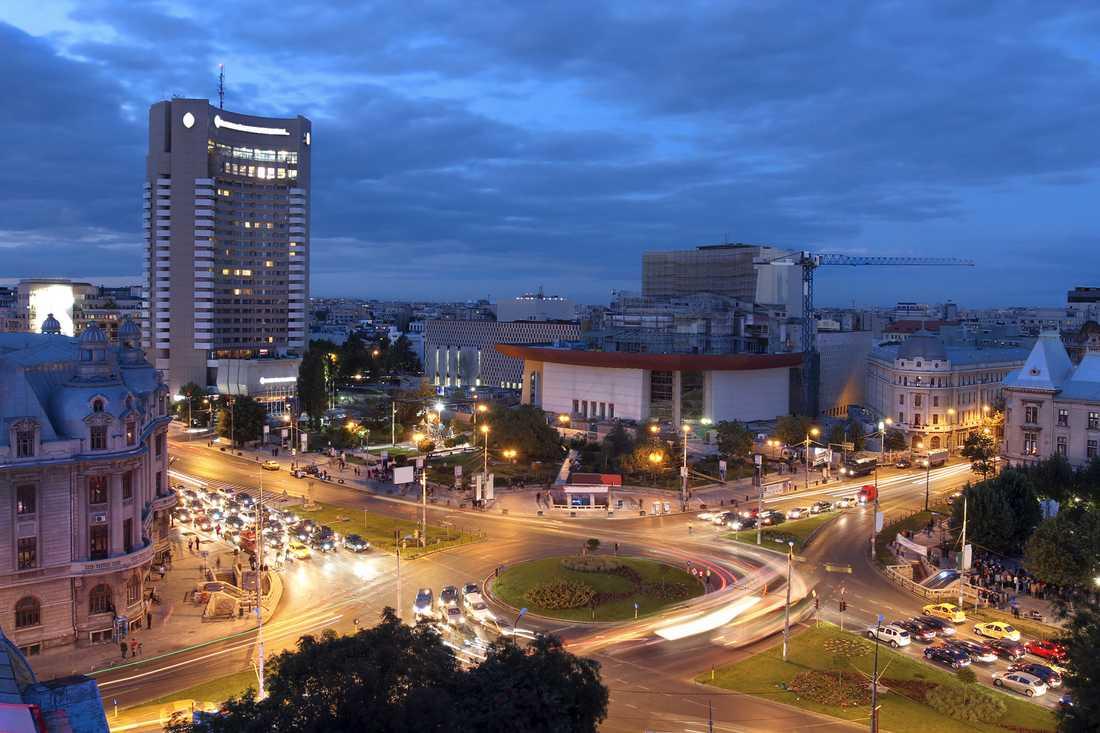 """Bukarest i Rumänien har kallas för """"Lilla Paris"""", men till skillnad från den franska huvudstaden är det fortfarande riktigt billigt."""