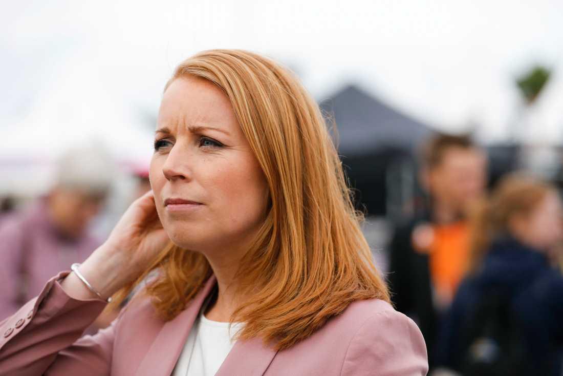 Centerpartiets partiledare Annie Lööf närvarar vid politikerveckan på Spånga IP i Järva.