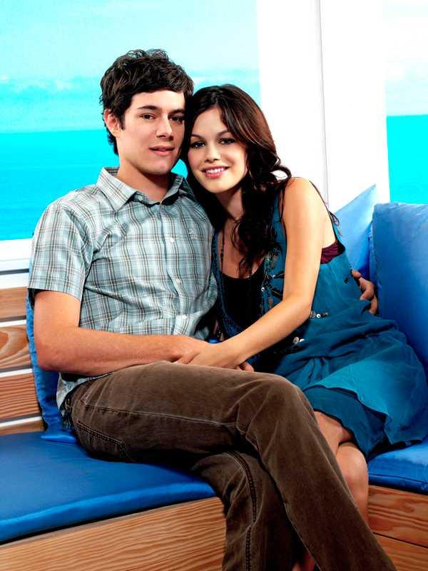 Brody och Rachel Bilson blev tillsammans under inspelningen av tv-serien. De var ett par i tre år, fram till 2006.