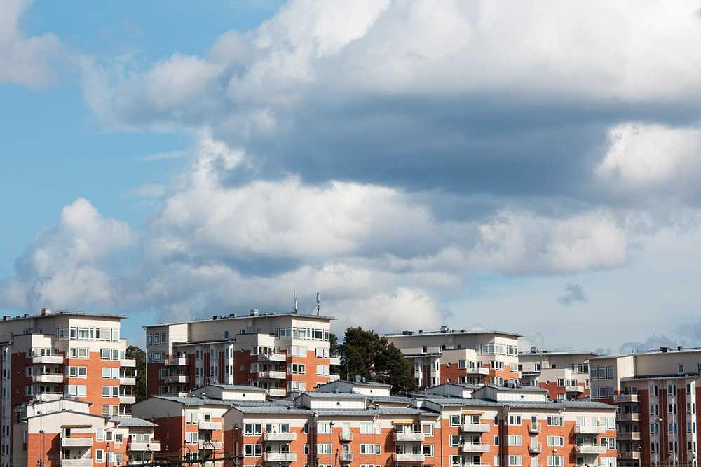 I februari steg bostadspriserna i Stockholm. I riket var de oförändrade.