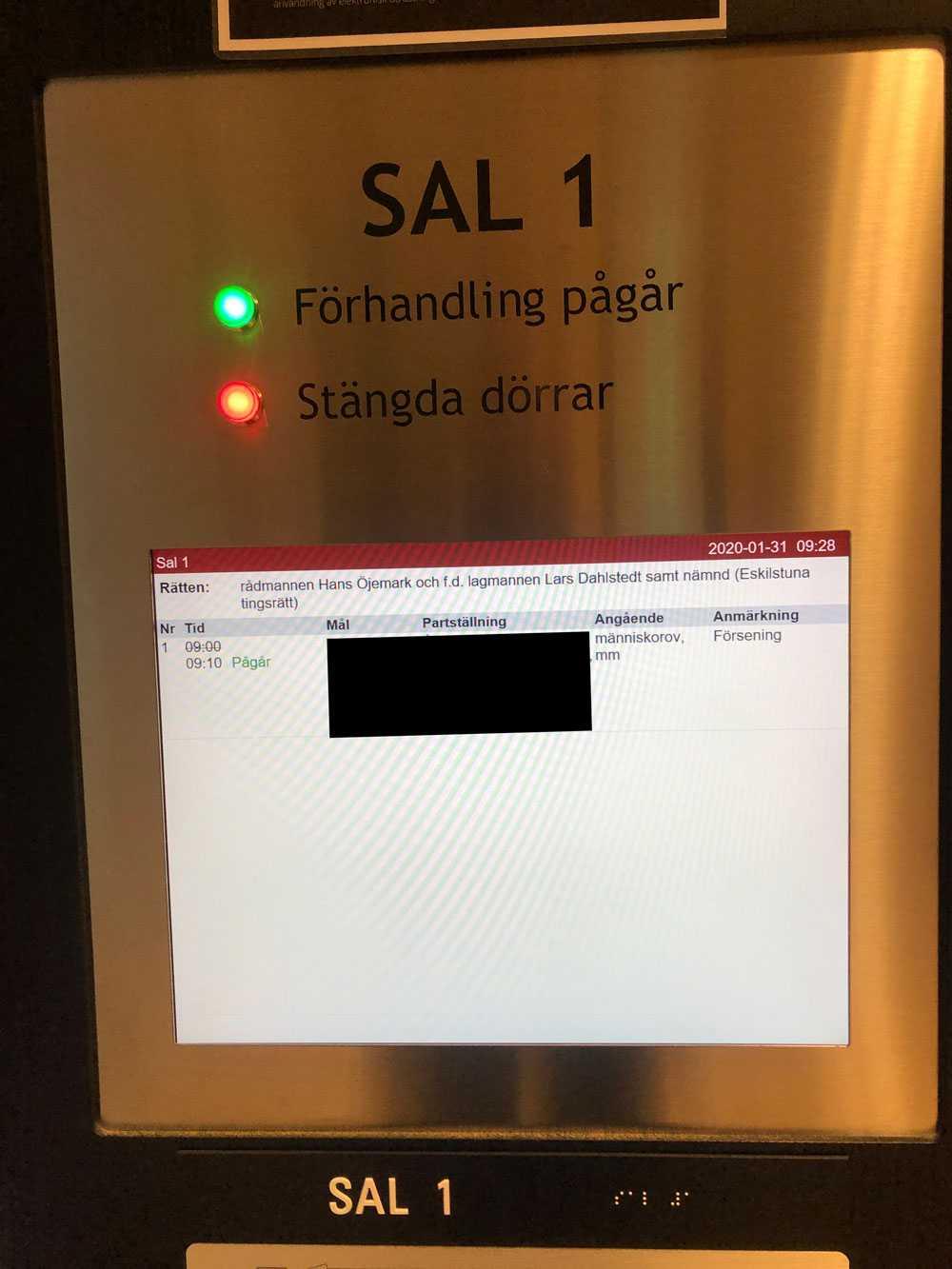 Rättegången hålls i Eskilstuna, Örebro och Västerås.