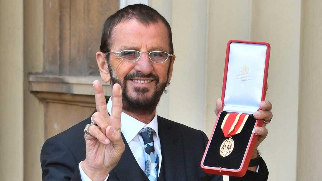 Ringo Starr med sin utmärkelse.