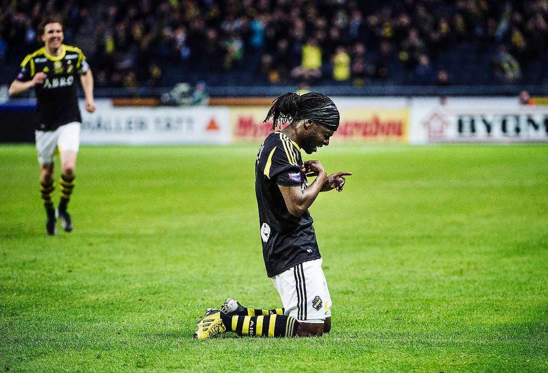 Martin Mutumba avgjorde matchen med sitt 3–1 och tillägnade målgesten sina två döda vänner.