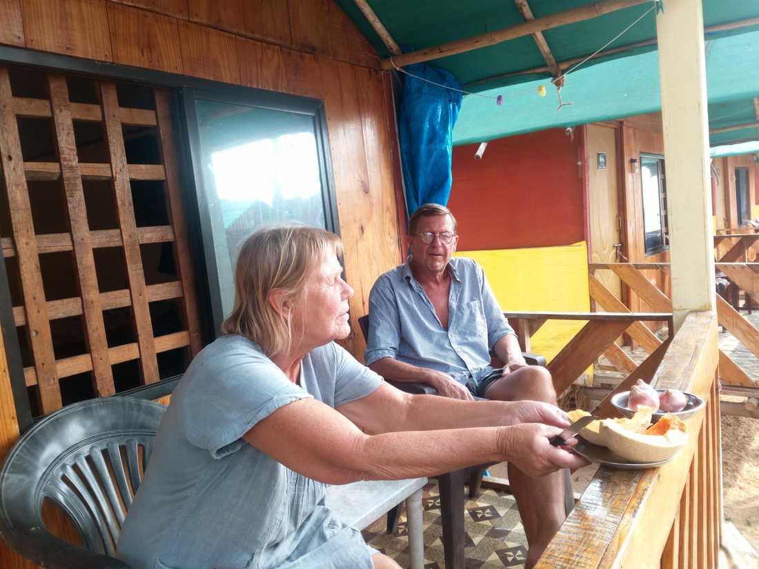 Åke och Eva Nobling sitter fast i Indien.