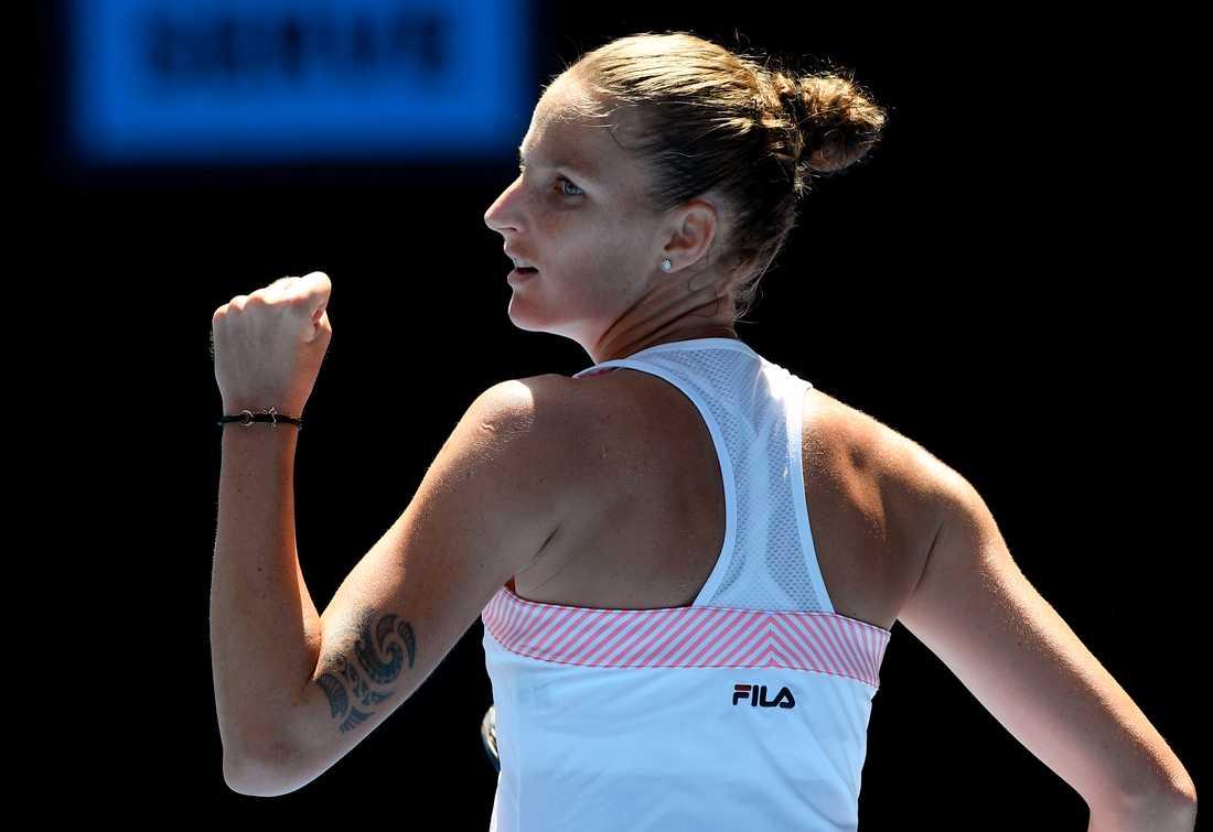 Karolina Pliskova besegrade Serena Williams och är klar för semifinal i Australian Open.