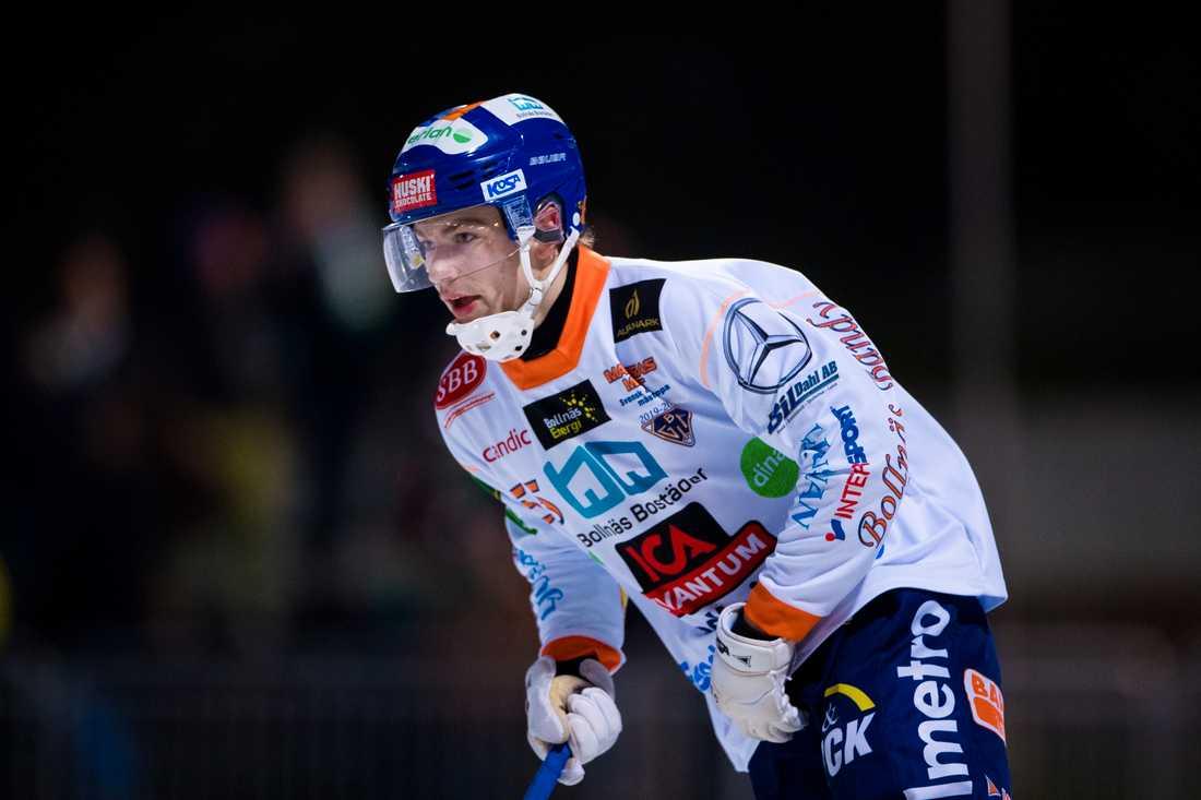 Oskar Westh tillbaka.