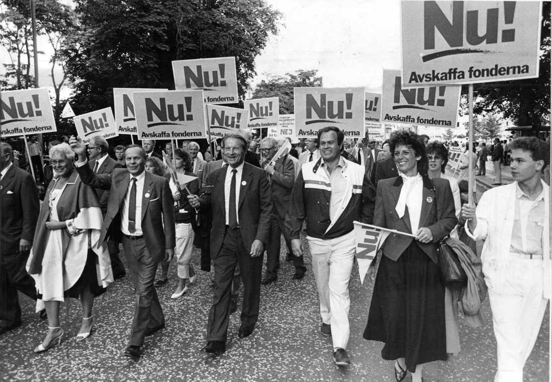 Saf-ordförande Curt Nicolin och direktören Antonia A:xson Johnson i spetsen för näringslivets protest mot löntagarfonderna 1985. Nu väntas en liknande mobilisering när friskolornas vinstnivåer ifrågasätts.